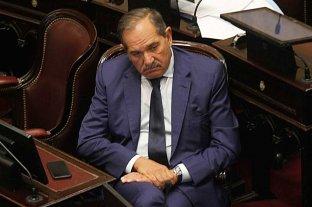 Aprueban la extensión de la licencia para el senador Alperovich