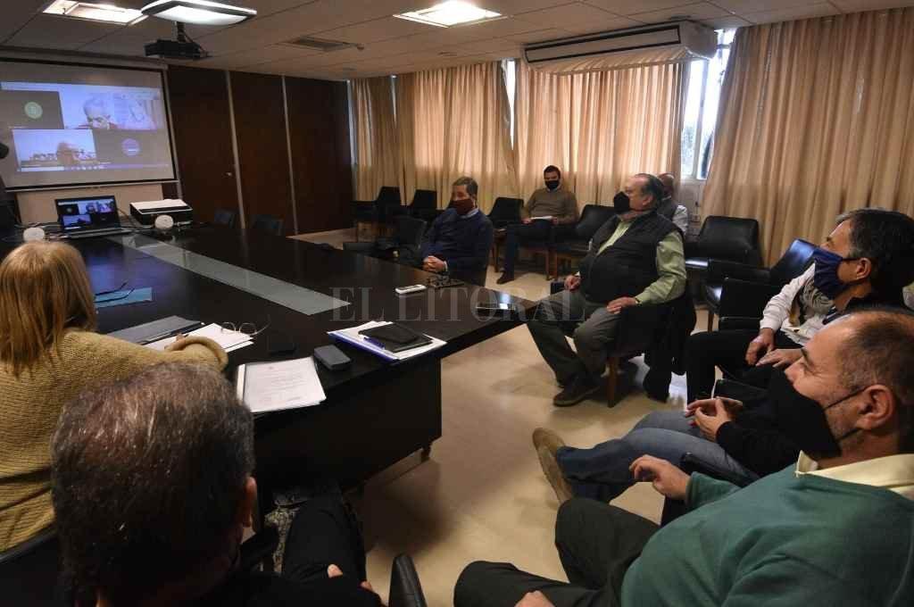 Pedro Bayúgar anticipó más reuniones provinciales y regionales, tras el encuentro en el ministerio de Educación.    Crédito: Pablo Aguirre