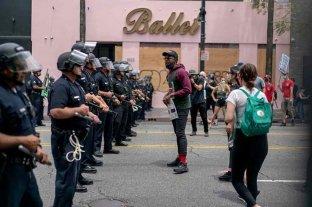 Minneapolis aprobó una orden que prohíbe a la policía realizar estrangulamientos