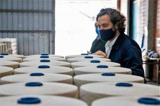 """""""Imaginen lo que hubiera sido esta pandemia con Macri gobernando, una catástrofe"""" - El Jefe de Gabinete visitó una fábrica textil en Puerto Tirol, provincia de Chaco -"""