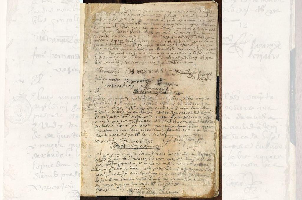Acta del Cabildo de Santa Fe donde se encuentran las firmas de algunos de los jefes del movimiento conocido como Revolución de los 7 Jefes Crédito: Archivo El Litoral