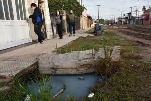 Insólito: vecinos juntaron plata para el arreglo de una calle