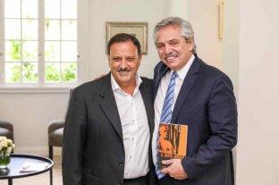El Presidente arribó a La Rioja, donde fue recibido por el gobernador Quintela