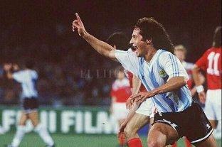 Troglio celebra los 30 años de su debut con gol mundialista
