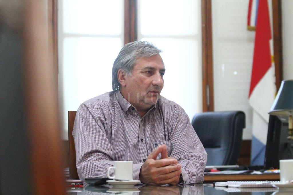El ministro Michlig reconoce que el Estado debe sentarse con los gremios a discutir el reajuste de los salarios para el segundo semestre del año. Crédito: Pablo Aguirre