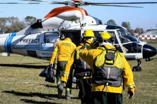 Continúa el operativo de combate a los incendios en las islas frente a Rosario