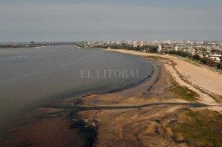 Una hidróloga detectó desagües activos en la Costanera cuando no llueve