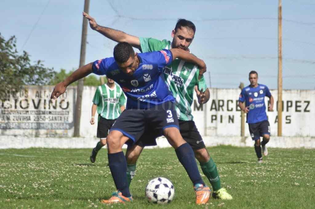 """El fútbol como bandera. La """"Vizcachera"""" recibe la visita de gran cantidad de gente cada vez que juega de local.    Crédito: Luis Cetraro"""