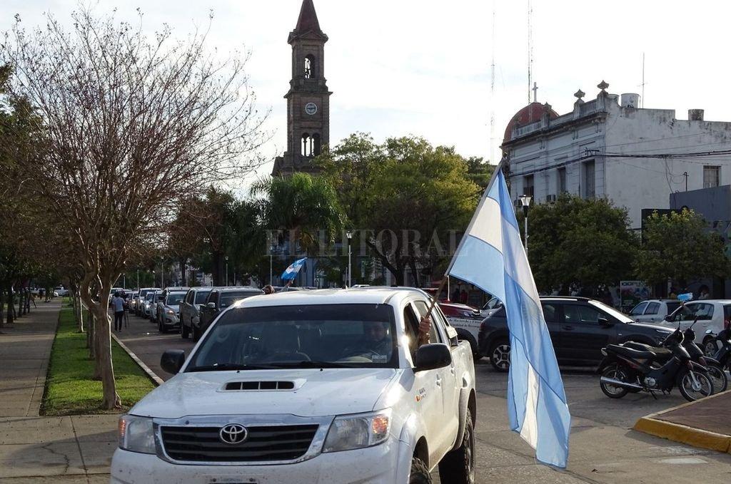 Masiva manifestación en la ciudad de Avellaneda Crédito: Archivo El Litoral