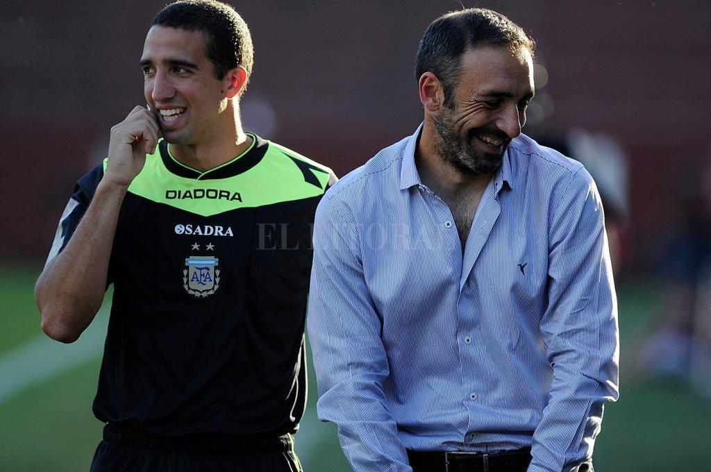 El Vasco Azconzábal aún permanece en Chile y se espera que esta semana firme lo que haya que firmar y quede liberado de Deportes Antofagasta. Una vez concretado ese trámite, se convertirá en DT de Unión. Crédito: El Litoral