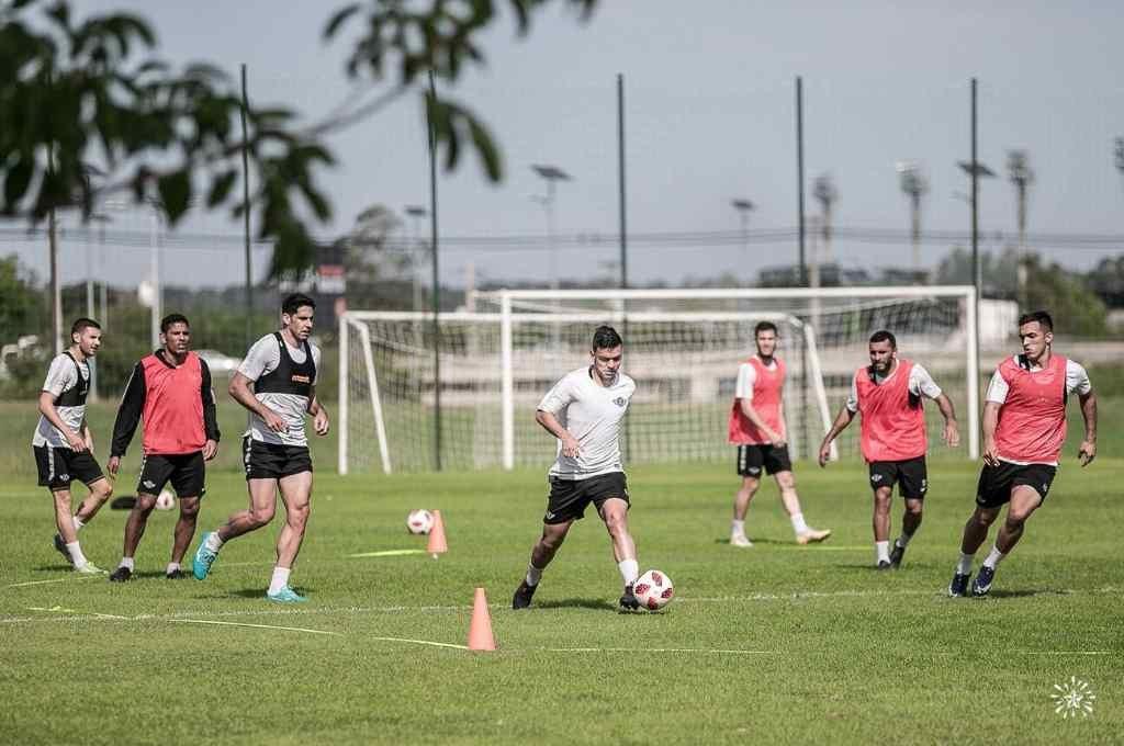 Libertad de Paraguay, rival de Boca, ya entrena con normalidad.   Crédito: Prensa Club Libertad