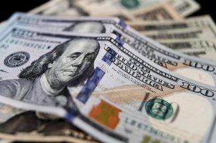 """Dólar hoy: El oficial abrió en alza y el """"blue"""" se vende a $ 140"""