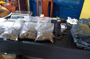 Buscaban armas pero  encontraron drogas