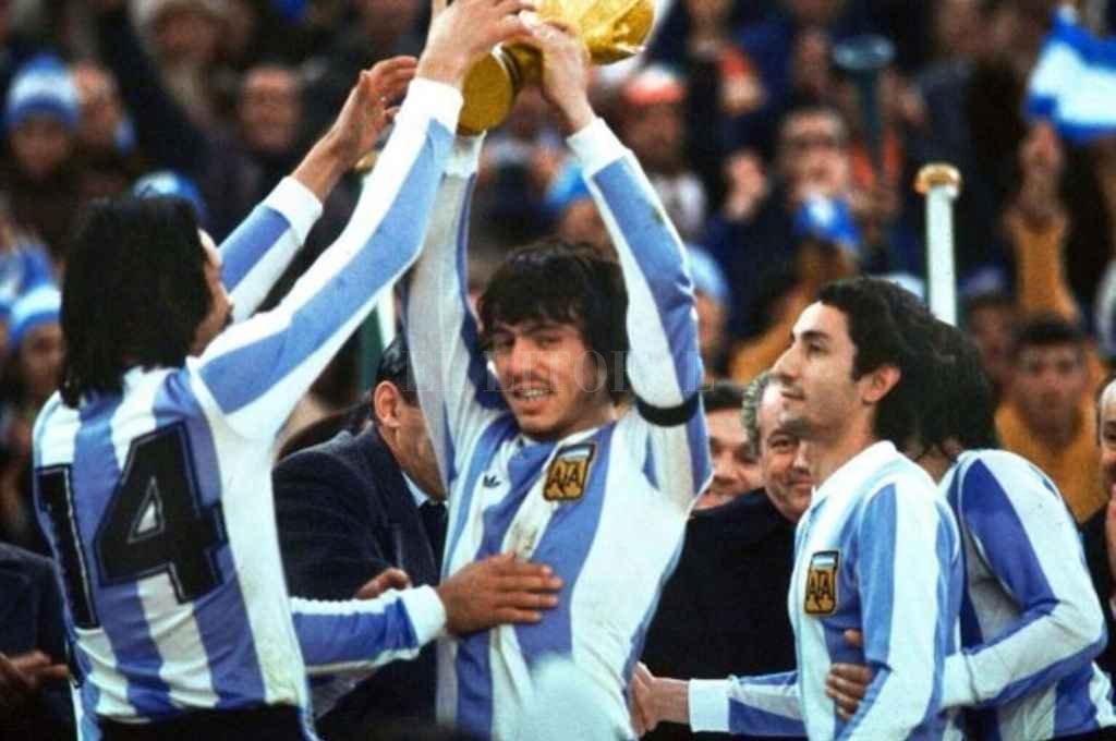 A pesar de todo lo extra futbolístico, la Copa del Mundo Argentina 1978 fue ganada en buena ley por los dirigidos por César Menotti.    Crédito: Archivo