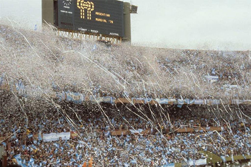 La salida de la selección en ese 25 de junio de 1978. Es el arco que da al río de La Plata. Crédito: Archivo El Litoral