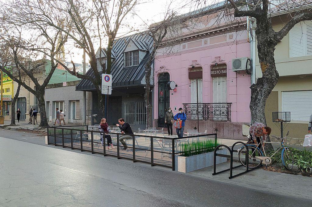 El render muestra lo que vendrá: los balcones gastronómicos podrán instalarse en las veredas, calles e incluso en canteros. Crédito: Gentileza