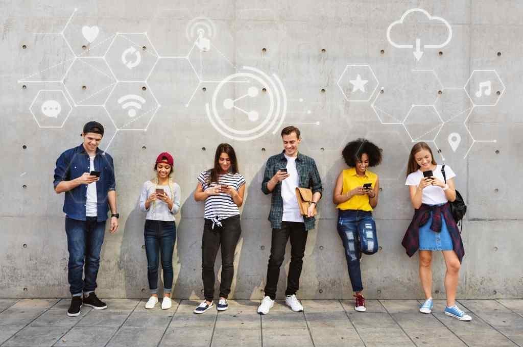 En primera persona. Es el eje de la propuesta de la Defensoría para recuperar la opinión de jóvenes y adolescentes.   Crédito: Archivo