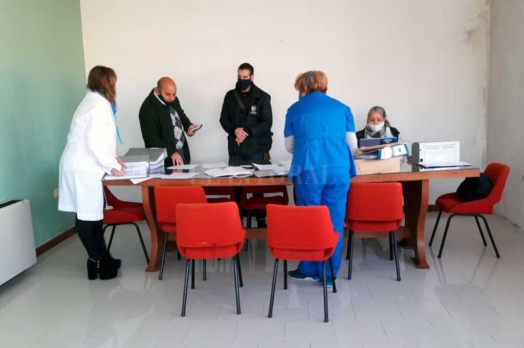 El personal del centro de salud colaboró con la labor judicial, llevada a cabo en horas de la mañana del viernes. Crédito: Prensa MPA