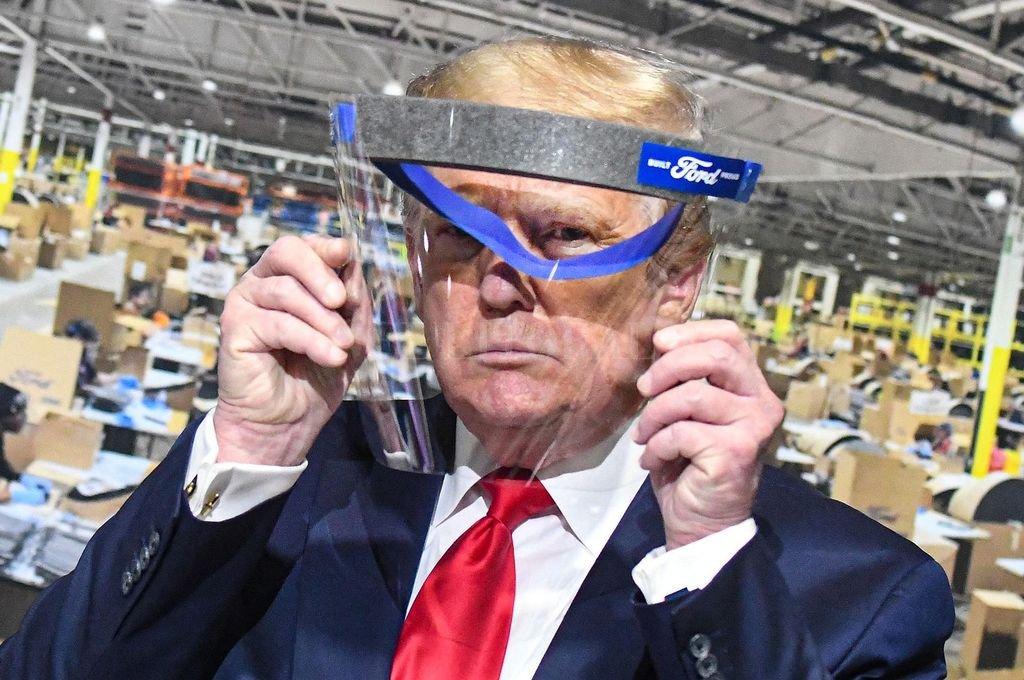 """Donald Trump llegó al poder de la mano de la promesa de """"Hacer América grande de nuevo"""", repatriando empleos y tropas dispersos por el mundo. Crédito: DPA"""