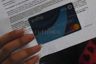 Denuncian robos de tarjetas Alimentar en la sede de Desarrollo Social