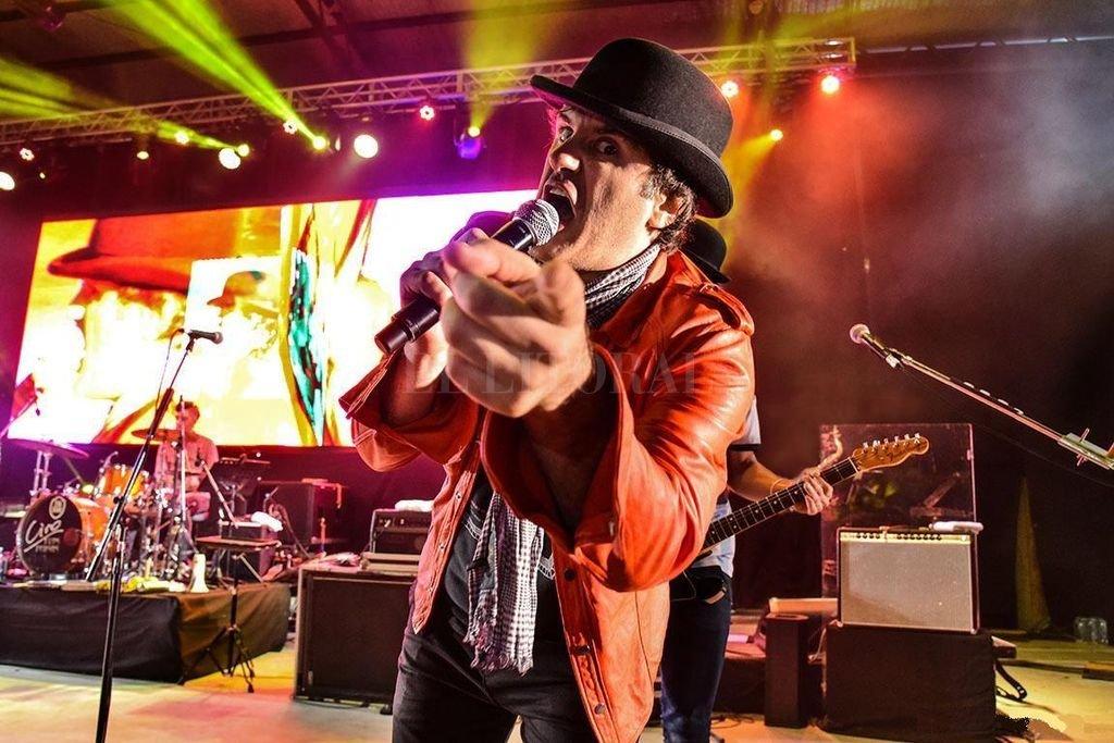 Ciro y los Persas está entre los 69 artistas y bandas que participarán del Cosquín Rock en streaming el 8 y 9 de agosto a través de www.cosquinrock.net.  Crédito: Archivo / Ale Casamayou