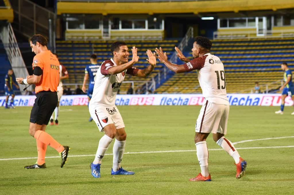 El último partido de Colón y del fútbol argentino. Fue victoria sabalera en Rosario ante Central. Crédito: Archivo El Litoral