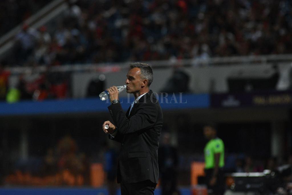 Postal del ex DT Sabalero en la final ante Independiente del Valle Crédito: Archivo El Litoral