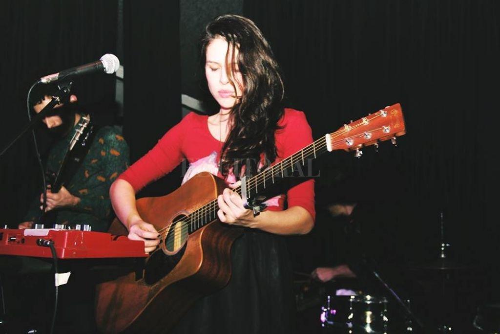 La cantante y compositora Rosario Ortega. Crédito: Facebook