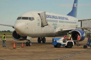 """Postergan """"por un tiempo"""" el retorno de los vuelos de cabotaje"""