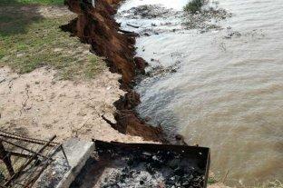 Evacuaron 11 familias por desmoronamientos en la barranca del río Coronda -