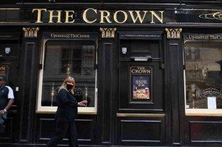 Inglaterra y Gales reabren pubs, restaurantes y cines bajo estrictas medidas sanitarias