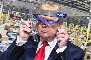 """Trump dice que usará barbijo y que lo hace parecer a """"El Llanero Solitario"""""""
