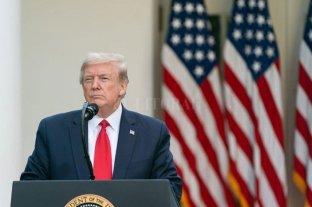 """Trump afirma que la economía en Estados Unidos """"vuelve a rugir"""""""