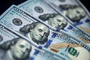 """El dólar """"turista"""" avanzó a $ 96,43 y el contado con liquidación volvió a subr"""
