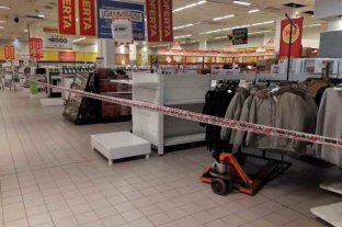 Supermercados de algunos municipios venderán solo productos esenciales para ayudar a comercios