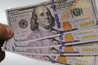 El dólar abrió a 73,75 y el blue se vende a $ 129