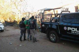 Atrapan a integrantes de una banda de piratas del asfalto - La Agencia de Investigación Criminal de Las Colonias, junto con el Grupo de Operaciones Tácticas y la policía de Rafaela, allanaron seis domicilios este viernes. -