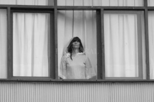 """Flor Croci presenta """"Abismo Pop"""" - La dirección y fotografía estuvieron a cargo de Epuyen Ortega, y la selección de imágenes corrió por cuenta de la artista Fabiana Imola. -"""