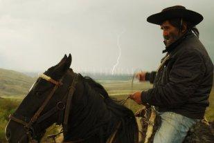 Incrustados en el tiempo - Reyes, el caballo y un rayo, un desafío para el ascenso. -