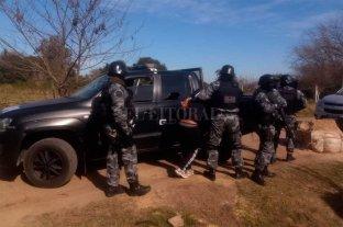 """Tumban un presunto """"kioscos"""" de drogas - Durante el operativo, un hombre fue detenido y se secuestró una importante cantidad de estupefacientes."""