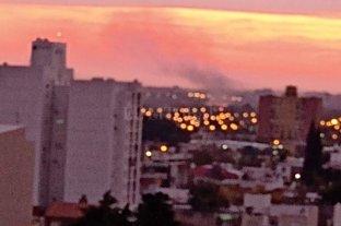 Hay incendios simultáneos en zona de islas y el humo llega a la ciudad -  -