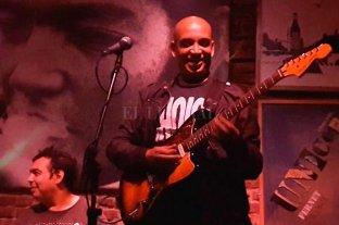 """Faleció """"Chocolate"""", el bajista de Los Abuelos de la Nada"""
