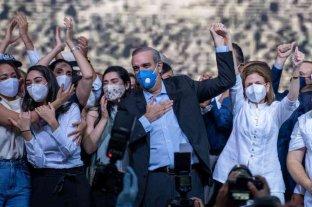 El opositor dominicano Abinader mantiene amplia ventaja con el 46% del escrutinio