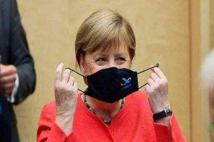 """Para Merkel, el uso de mascarilla es """"irrenunciable"""" para contener la pandemia"""