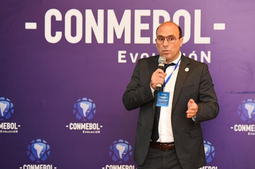 El argentino Gonzalo Belloso dejó en claro que Conmebol sigue de cerca lo que pasa en cada uno de los países que la integran y que se evalúan alternativas para que todos puedan volver a disputar las competencias internacionales. Crédito: Archivo