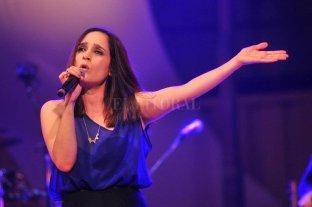 Julieta Venegas y Los Espíritus se suman a la grilla del Cosquín Rock - La artista Julieta Venegas se suma al festival, que será en agosto on line. -
