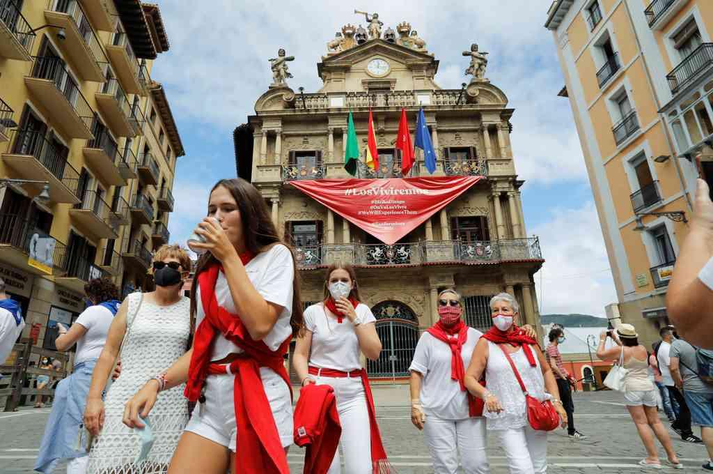 En abril, mientras el brote del nuevo coronavirus azotaba España, el ayuntamiento decidió suspender las festividades por primera vez en cuatro décadas. Crédito: Reuters