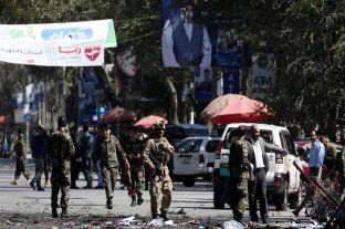 Al menos cuatro muertos en un atentado talibán a una comisaría en Afganistán