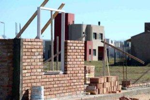 El Gobierno creó un programa para reactivar y finalizar obras de viviendas paralizadas