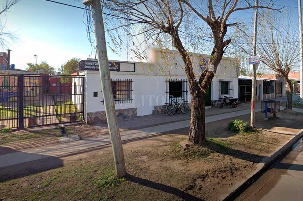 Escuela 2067 de Alto Verde; uno de los lugares donde había entrado a robar el joven ahora detenido.  Crédito: El Litoral